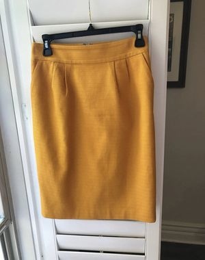 Banana Republic Mustard Yellow Pencil Skirt, Sz 2 for Sale in Los Angeles, CA