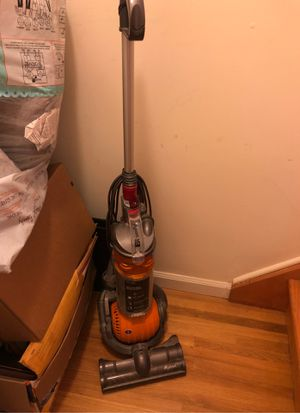 Dyson vacuum cleaner for Sale in Clifton, NJ
