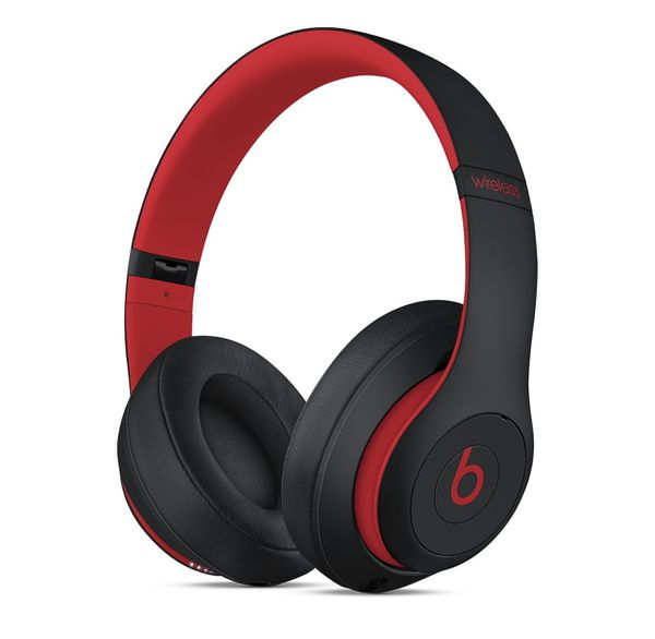 Beats Studio 3 Black and Red. In its box