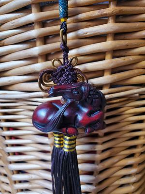 Horse. Hand carved rosewood tassel Horse [read description] for Sale in Hialeah, FL