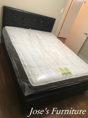 Queen Size Bed with Drawer (Mattress Included) for Sale in Lynwood, CA