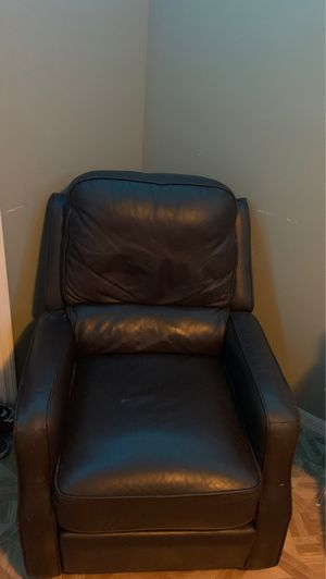 Recliner chair for Sale in Palm Bay, FL