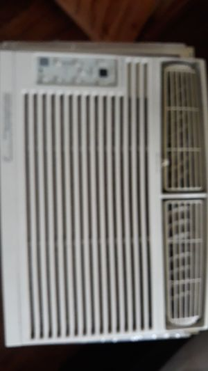 Frigidaire ac window unit for Sale in Harrisburg, PA