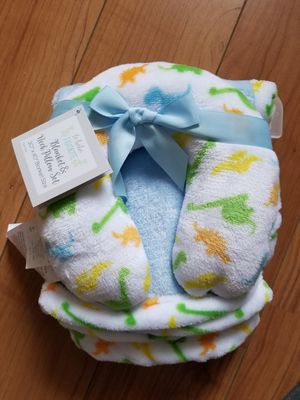 Baby neck pillow and blanket set for Sale in Houston, TX
