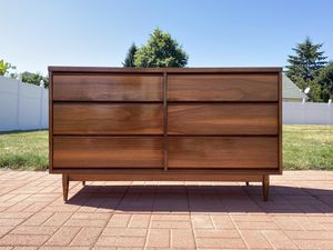 Mid-Century Dresser - Broyhill 1990 for Sale in Auburn, WA