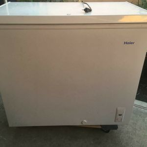 Haier Chest Freezer 7.1 Cu for Sale in Westminster, CA