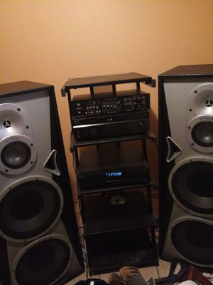 Sony 5 CD Changer Disc Ex-change System & Radio 2 tall speakers '15 for Sale in Avon Park, FL