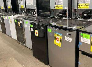 Mini refrigerators TO06 for Sale in Houston, TX
