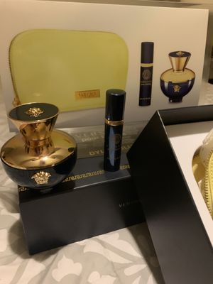 Versace fragrance set women's new for Sale in NV, US