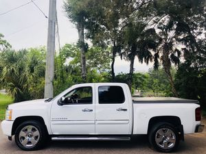 Chevy Silverado 2011 1500 crew cab $19991 for Sale in Tampa, FL