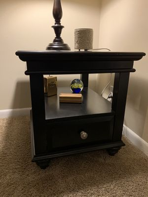 Black end table for Sale in Smyrna, TN