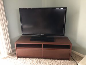 """Sharp 40"""" TV w/ Blu-Ray and Sound Bar for Sale in Madison Heights, MI"""