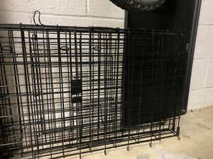 Medium Collapsable dog crate for Sale in Newport Beach, CA