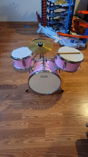 Union Kids drum set with stool for Sale in Tacoma, WA