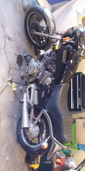 82' yamaha virago 750 w/title for Sale in University Park, IL