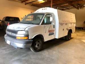 2005 CHEVROLET EXPRESS CUTAWAY UTILITY CARGO VAN NOT RUNNING for Sale in Avocado Heights, CA