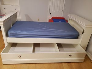 Wooden Twin Bunk Beds or Single Twin Beds with Trundle for Sale in Brandon, MS