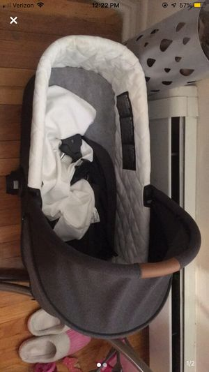 Barely used baby jogger deluxe pram . Compatible with city mini for Sale, used for sale  Queens, NY