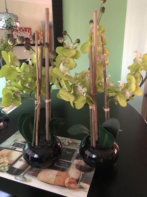 Fake Calla Lily plants. Look real!!! for Sale in Chicago, IL