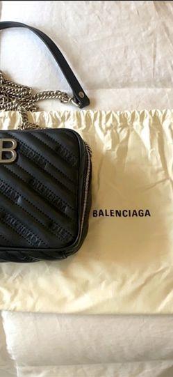 100% Authentic Balenciaga Leather Bb Reporter Crossbody Bag for Sale in Oak Harbor,  WA