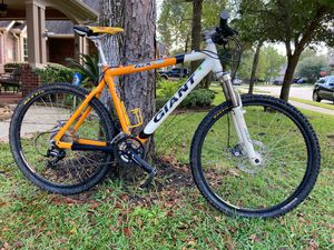 Giant mountain bike for Sale in Spring, TX