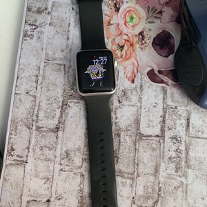Apple Watch series 3 - 38MM for Sale in Irvine, CA