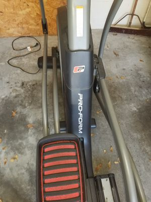 Proform 7.0 Elliptical Cross Trainer Treadmill for Sale in Plant City, FL
