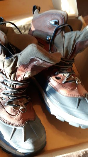 LL Bean mens size 8 boots only worn a few time for Sale in Chelmsford, MA