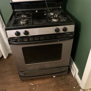 Hotpoint Gas Range For Sale $100 OBO for Sale in Dartmouth, MA