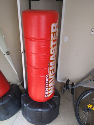 Wavemaster xxx punching bag free standing make offer for Sale in Tacoma, WA