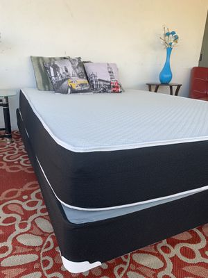 NEW QUEEN MATTRESS WITH BOX SPRING ALL NEW for Sale in Miami Beach, FL