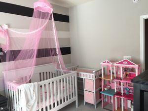 Baby crib for Sale in Stone Mountain, GA