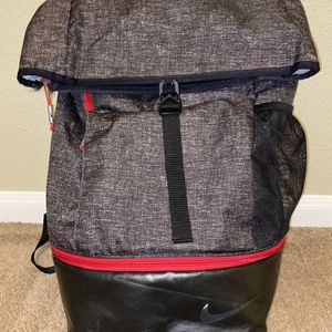 Nike backpack - Large Capacity for Sale in Floresville, TX