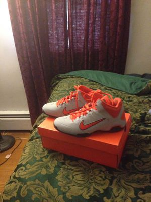 Nike pro shoes for Sale in East Riverdale, MD