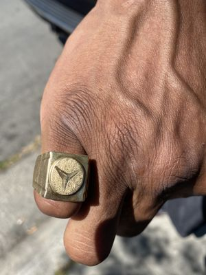 18k Mercedes Benz Ring for Sale in Sacramento, CA