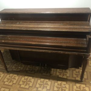 Kimball Piano. FREE Must Pick Up. for Sale in Hampshire, IL