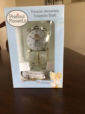 Precious Moments Anniversary Clock for Sale in Huntley, IL