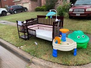 BABY CRIB AND BABY CHANGING TABLE for Sale in Arlington, TX