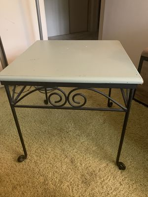 Antique End Table for Sale in Lumberton, NJ