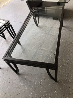 Coffee table and end table for Sale in Atlanta, GA
