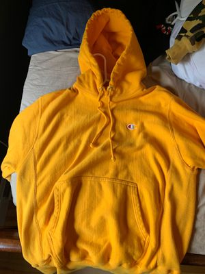 Champion reverse weave yellow hoodie - Size US M for Sale in Holliston, MA