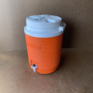 "9.5""x13"" Tall Orange Rubbermaid Cooler Drinking Fountain for Sale in Mesa, AZ"