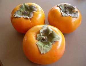 Fuyi persimmon sweet for Sale in Los Angeles, CA