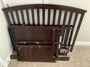 Delta Children's Crib and Changer Combo for Sale in Nolensville, TN