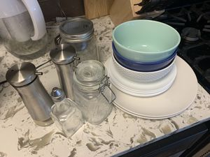 Bowls/jars/plates/glass food storage containers for Sale in Washington, DC