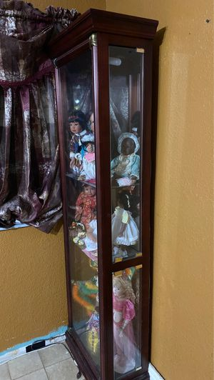 Curio Cabinet for Sale in Hialeah, FL
