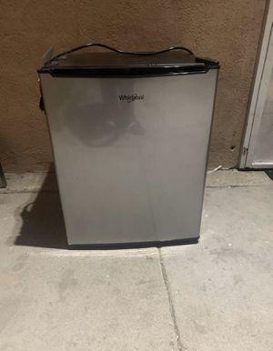 Whirlpool mini fridge for Sale in Azusa, CA