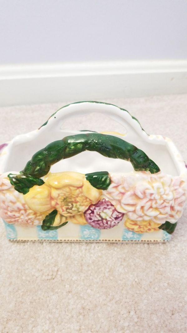 Lady Jayne Ltd - Handcrafted Ceramic Napkin holder