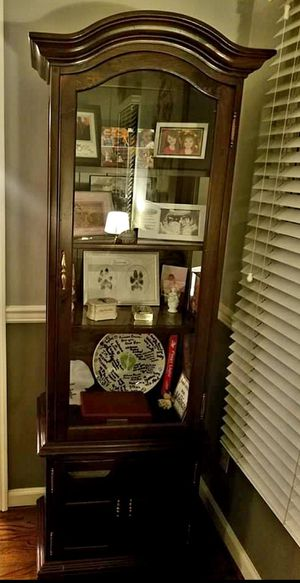 Ethan Allen Curio Cabinet for Sale in Laurel, MD