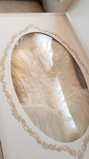 Wedding dress for Sale in Cincinnati, OH